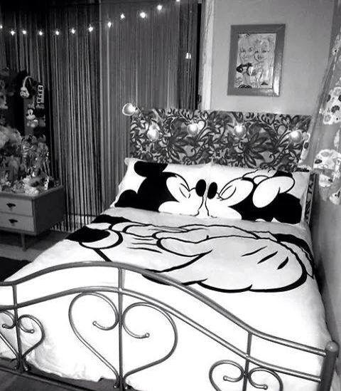 Mickey Furniture and deco Pinterest Disney bedrooms, Disney