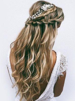 Frisuren mit Locken: schöne Optionen - Kurz Haar Frisuren #hairandmakeup