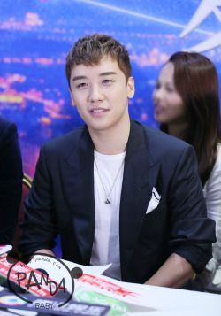 160716 Seungri's 1st China Movie 'Bonjour Les Couleurs De L'amour' Press Conference in Beijing