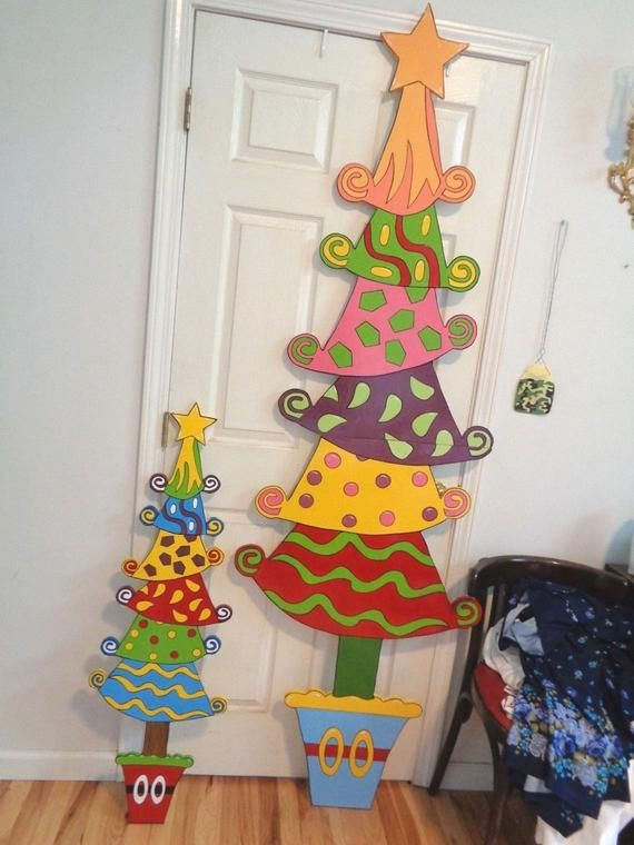 Welcome To Burbanktreasures Up For Your Bidding Pleasures Is These Cute Hand Made Hand Christmas Yard Art Grinch Christmas Tree Christmas Tree Yard Art
