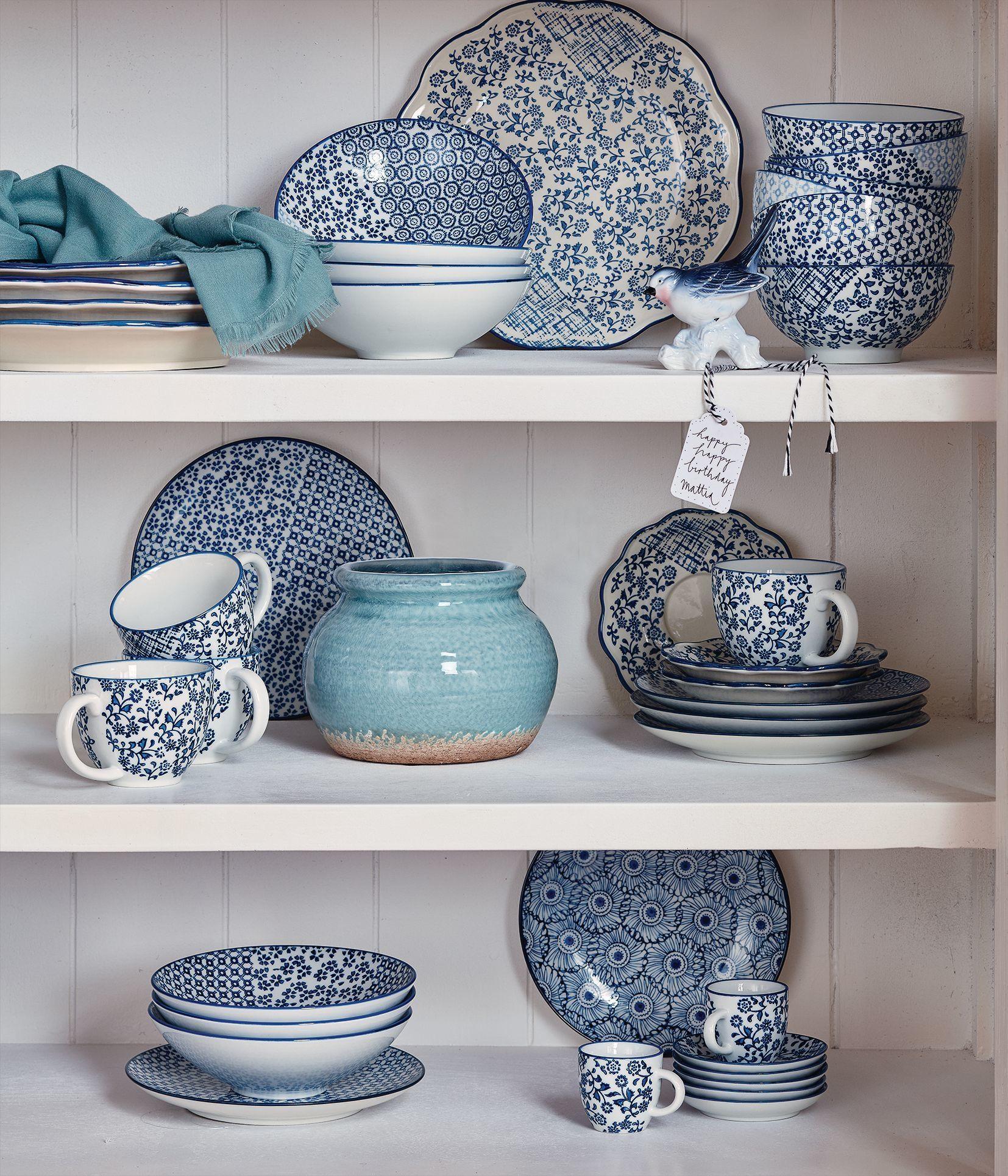frisch gemischt traditionelle porzellanmuster in wei und blau mit je sechs tassen. Black Bedroom Furniture Sets. Home Design Ideas