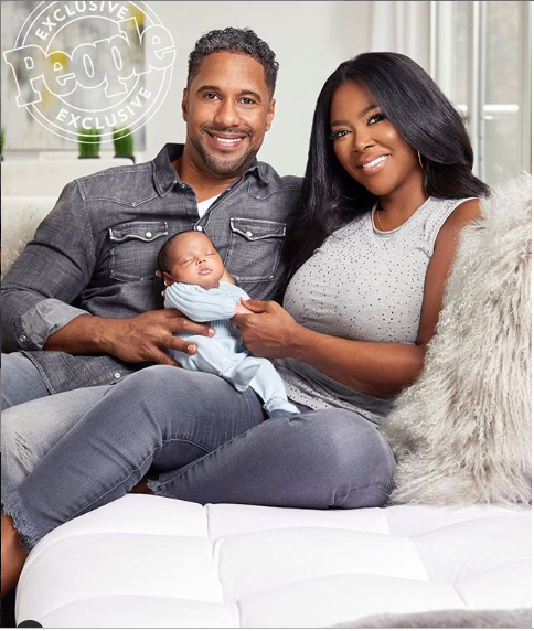 Kenya Moore shares another beautiful family photo with her