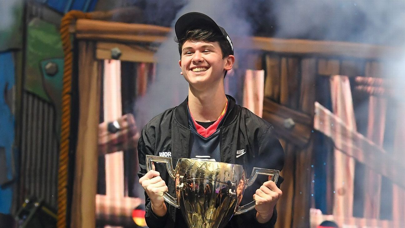 Bugha Sonicfox And Ewok Highlight Forbes Gaming List In 2020 World Cup World Cup Winners Fortnite