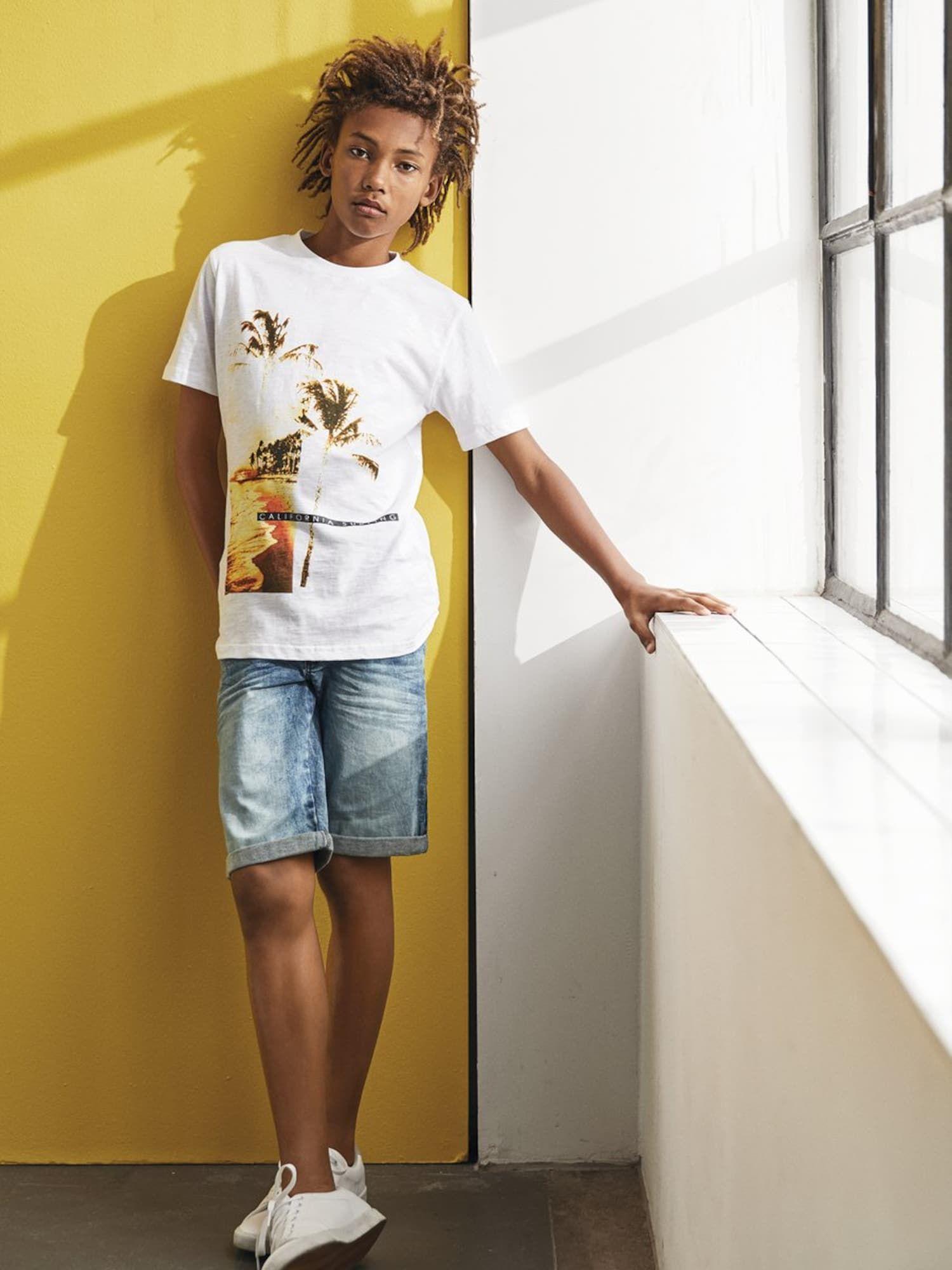 Junge schwarze Teenie-Transe