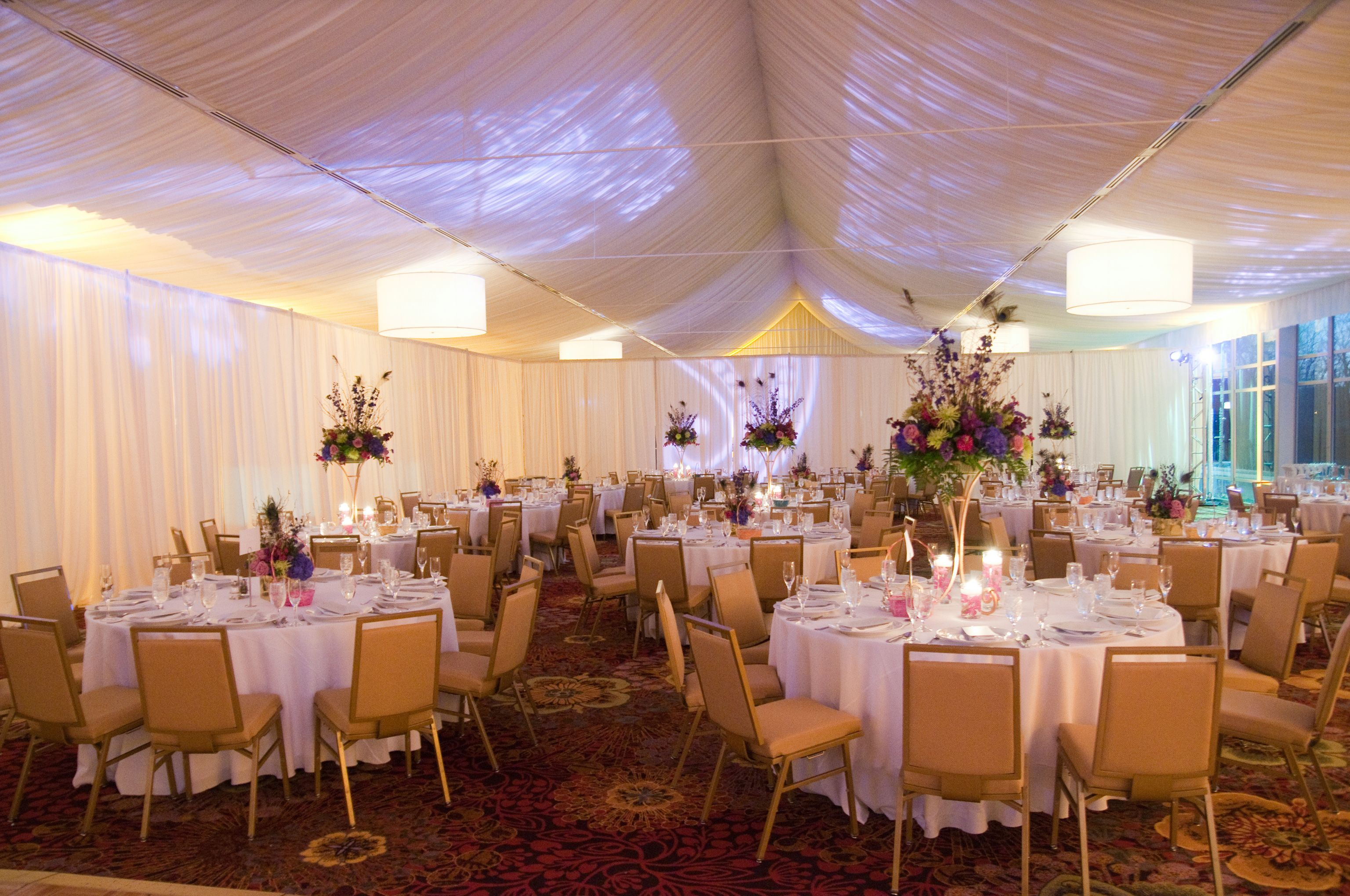 A Romantic Glow In The Lincolnshire Marriott Resorts Grand Marquee