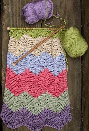 Shimmer Chevron Striped Scarf - free scarf knitting pattern | Dos ...