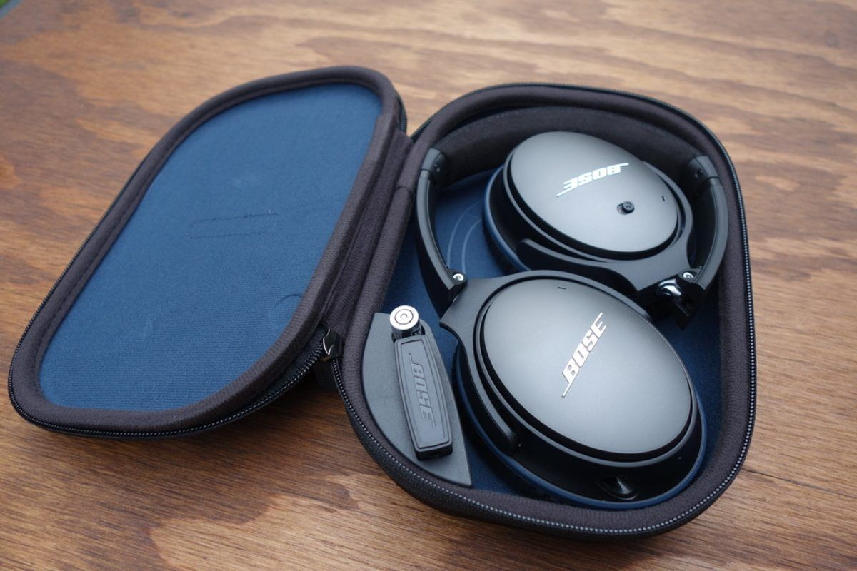 Bose Quietcomfort 25 Qc25 Acoustic Noise Cancelling Headphones For 159 This Is Normally 279 Bose Noise Cancelling Headphones Black Headphones Headphones