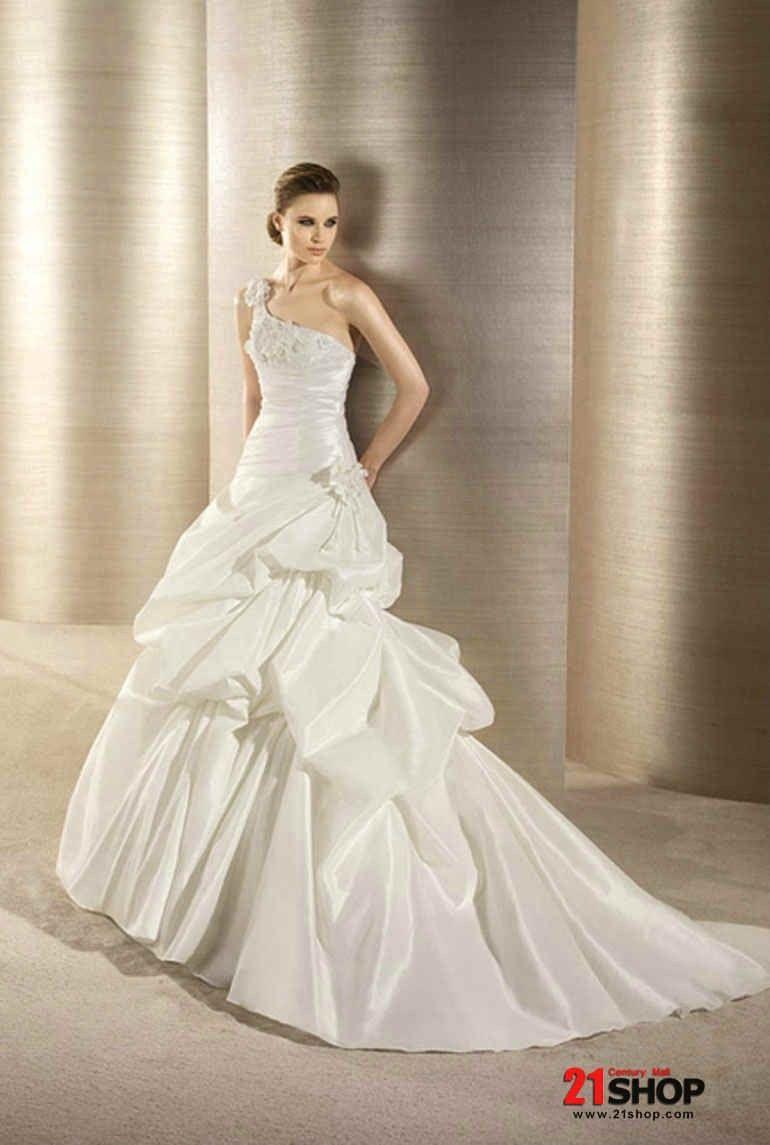 Taffeta one shoulder aline princess silhouette wedding dress