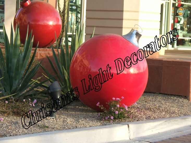 Diy outdoor christmas decorations large outdoor for Big outdoor christmas balls