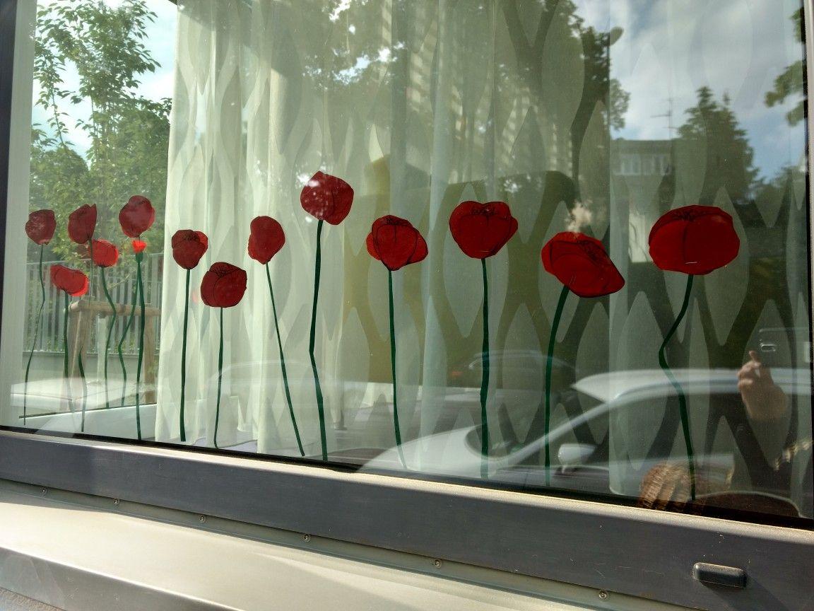 Fenster Deko Mohnblumen Aus Fotokarton Und Kreppapier Tagespflege Kreative Ideen Mohnblume Deko