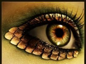 costume makeup dragon eye