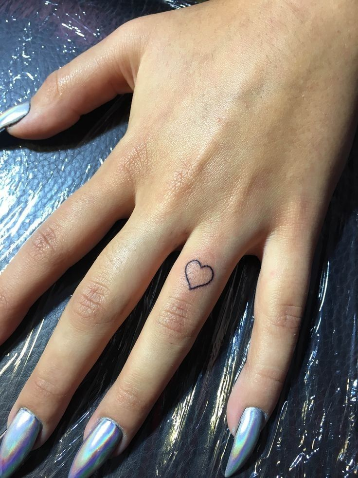 Small Heart Tattoo On Wrist For Womens Klein hartje