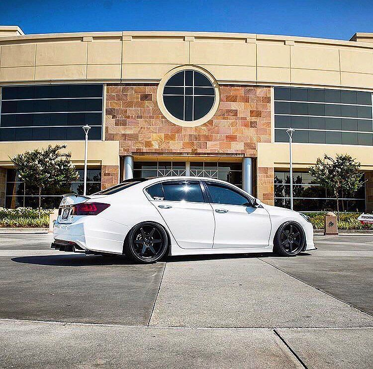"20"" VarrsToen ES2 looking great on a 9th Gen Honda Accord"
