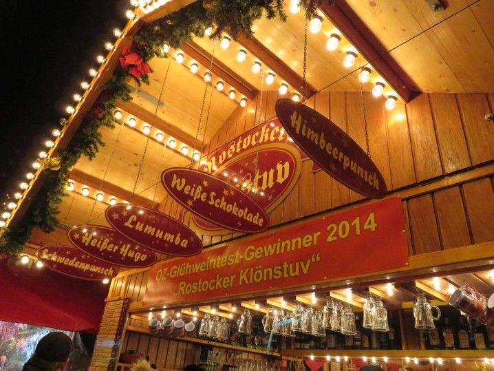 Glühweinpreise Weihnachtsmarkt.Glühweinstand Auf Dem Rostocker Weihnachtsmarkt Weihnachtsmarkt