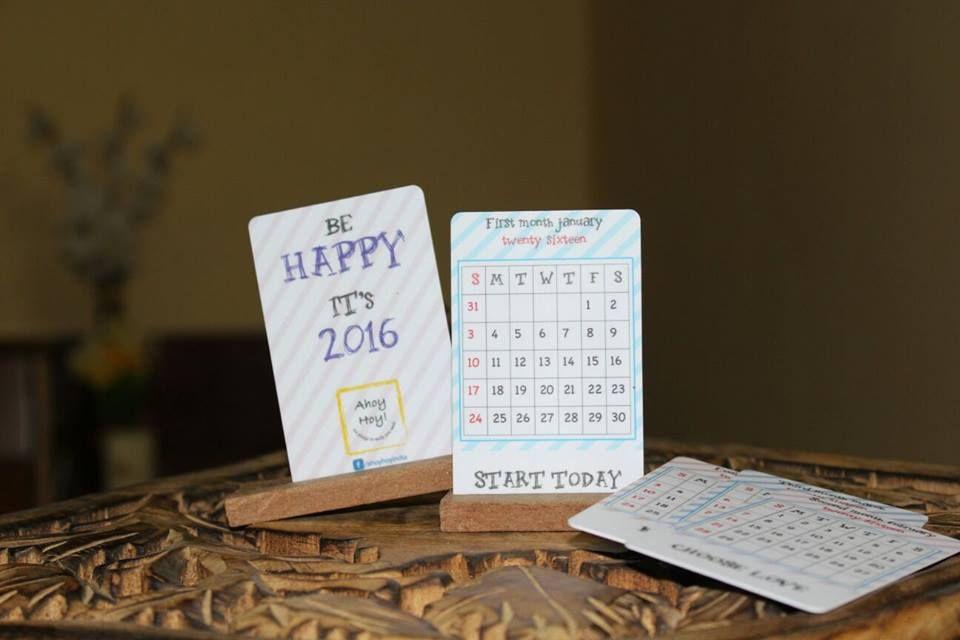 We pledge to make you Smile!) Mini Desk Calendar 2016, with a fun