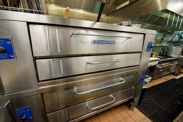 Commercial Pizza Oven Types Commercial Pizza Oven Pizza Kitchen Pizza