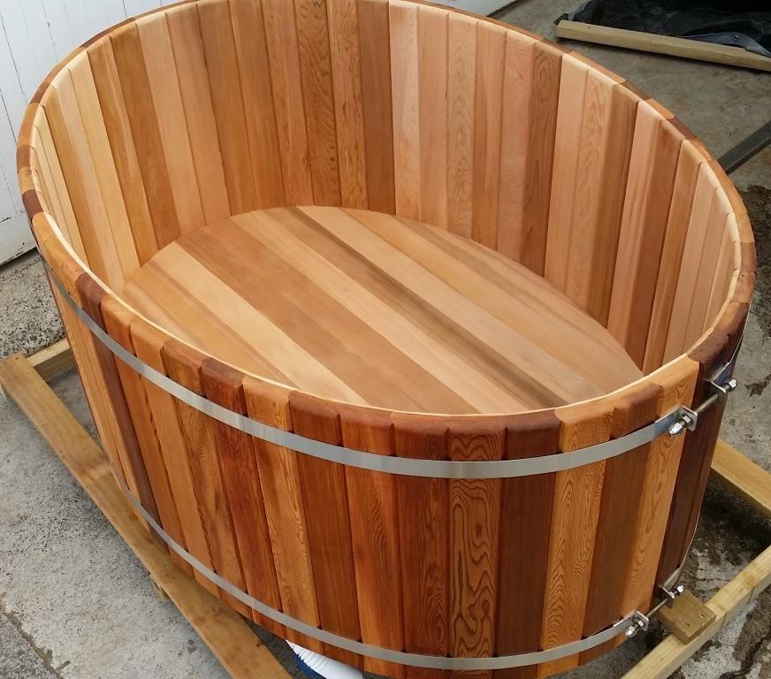 Outdoor Cedar Bathtub: Large Oval | Domácnosť | Pinterest | Bathtubs ...