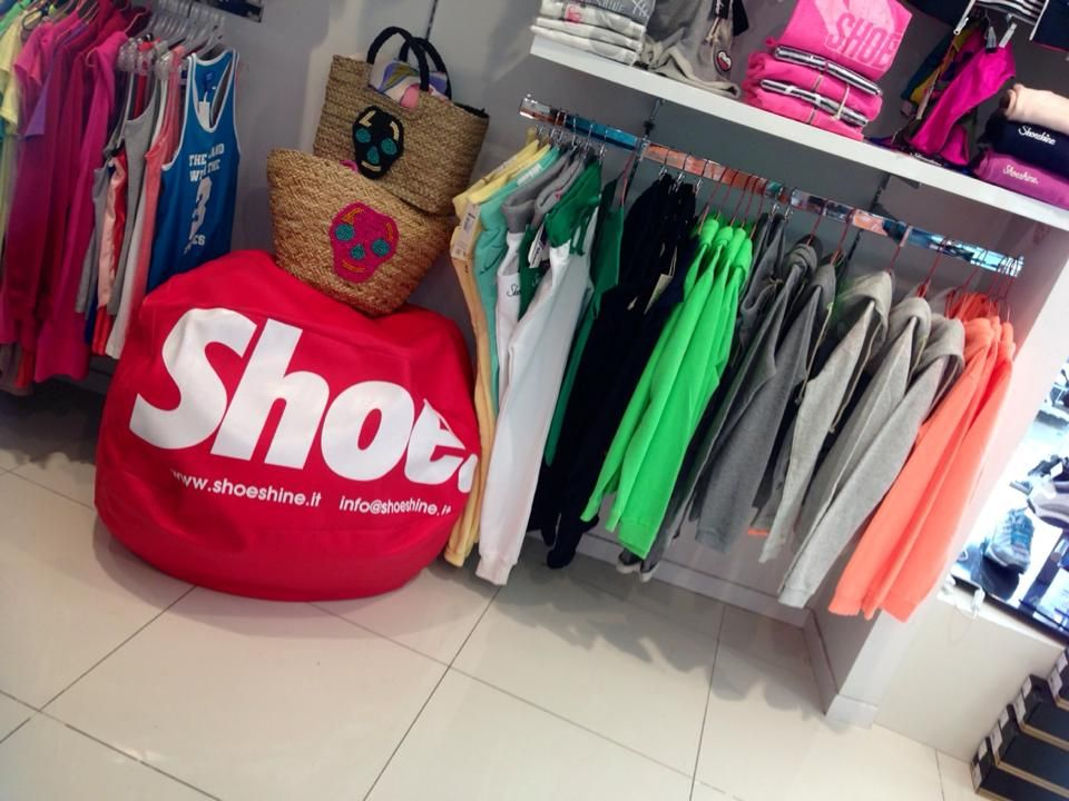 Henry Sportswear - Via Pietro Maffi 76b/76c/76d - 00168 Roma ...