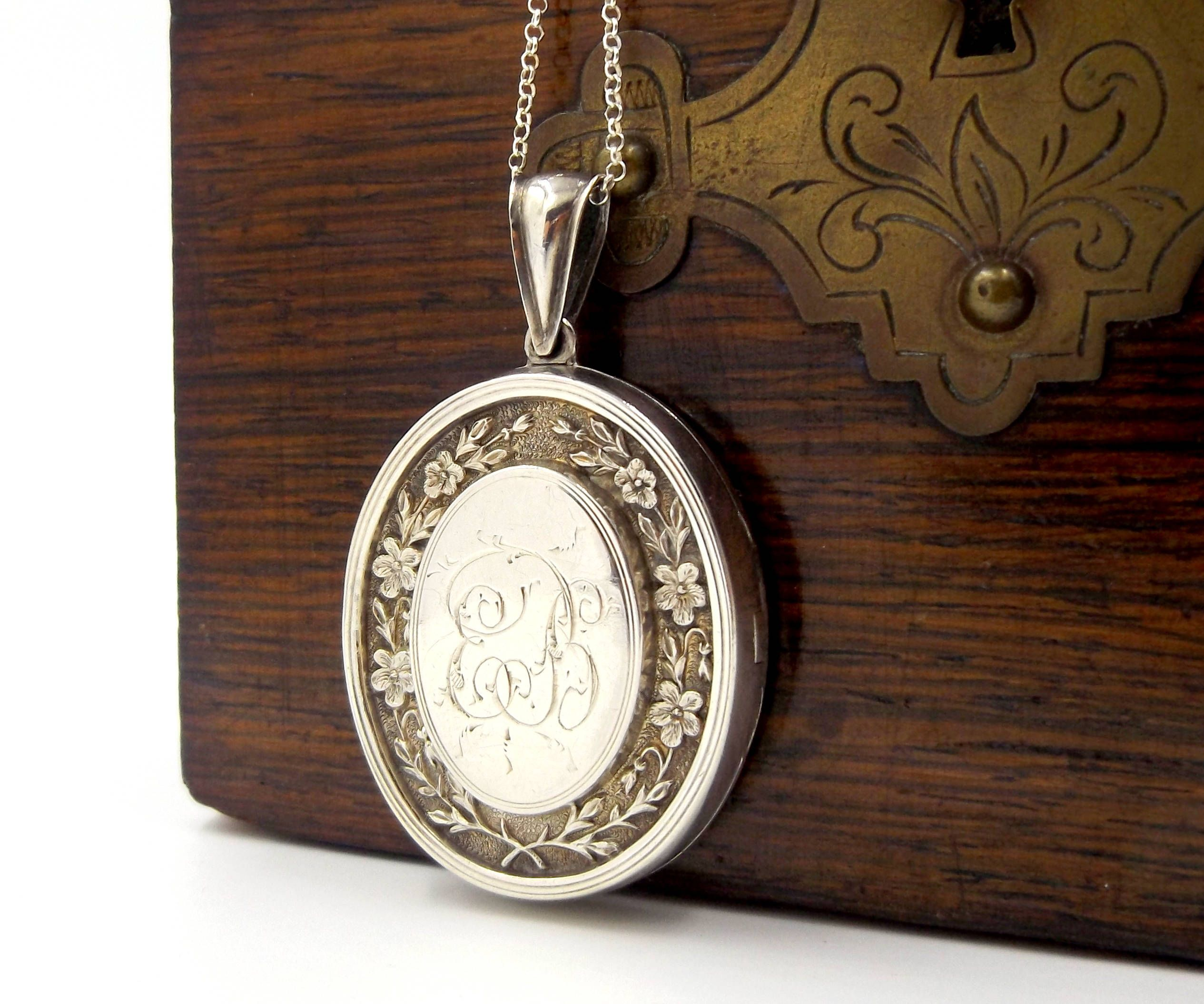 beautifully a victorian listing large il lockets fullxfull description silver locket engraved