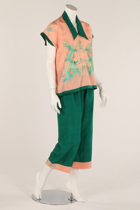 a918a9f8733 A pair of green and pink lounging beach pyjamas