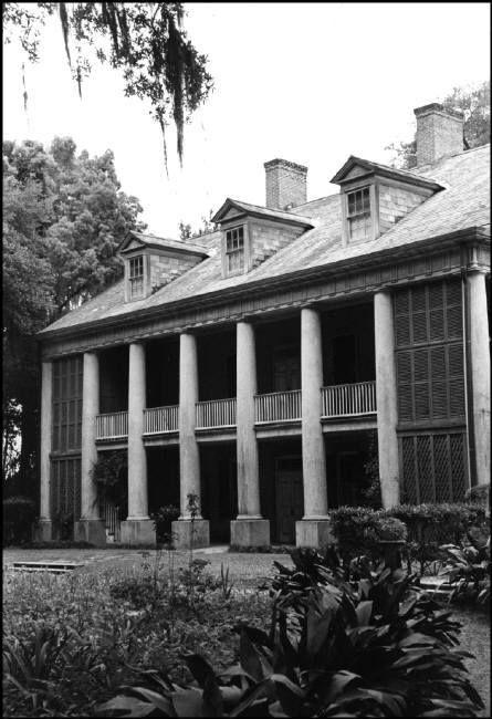 Henri Cartier-Bresson - USA. Louisiana. New Iberia. 1947. Old mansion.