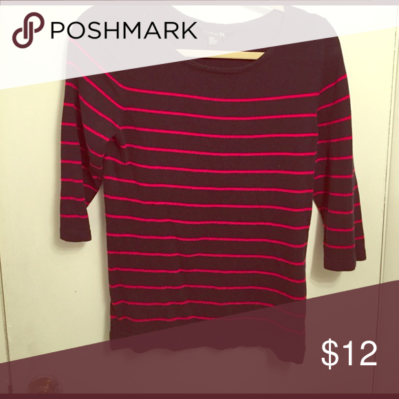 3 quarter sleeve striped shirt Navy blue shirt with red stripes quarter sleeves great condition ▫️ Forever 21 Tops Tees - Long Sleeve