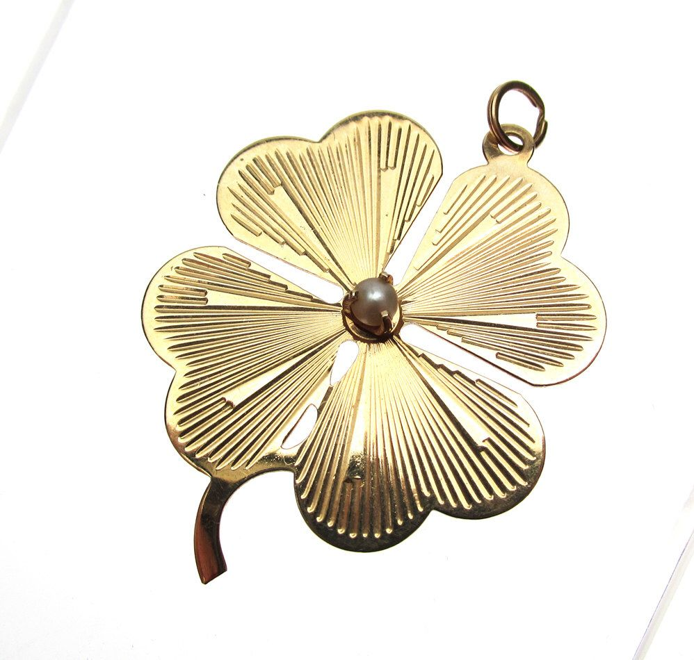 14k Four Leaf Clover Pendant with Pearl by KlinesJewelry on Etsy https://www.etsy.com/listing/120098904/14k-four-leaf-clover-pendant-with-pearl
