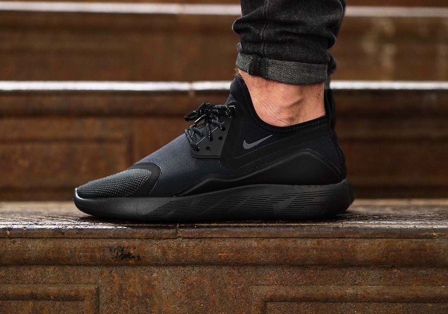 chaussure nike lunarcharge essential pour homme