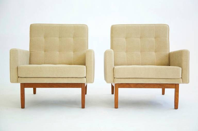 Pair of Knoll Lounges image 2