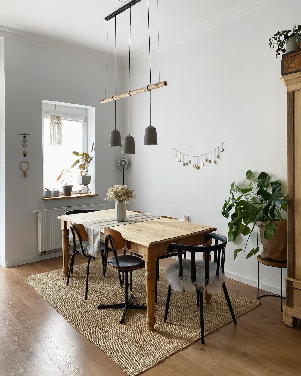 #Esszimmer #couchstyle #neuhier #esstisch #lampe #de…