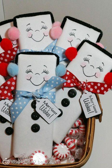 Как красиво упаковать шоколадку на Новый год в виде снеговичка картинки