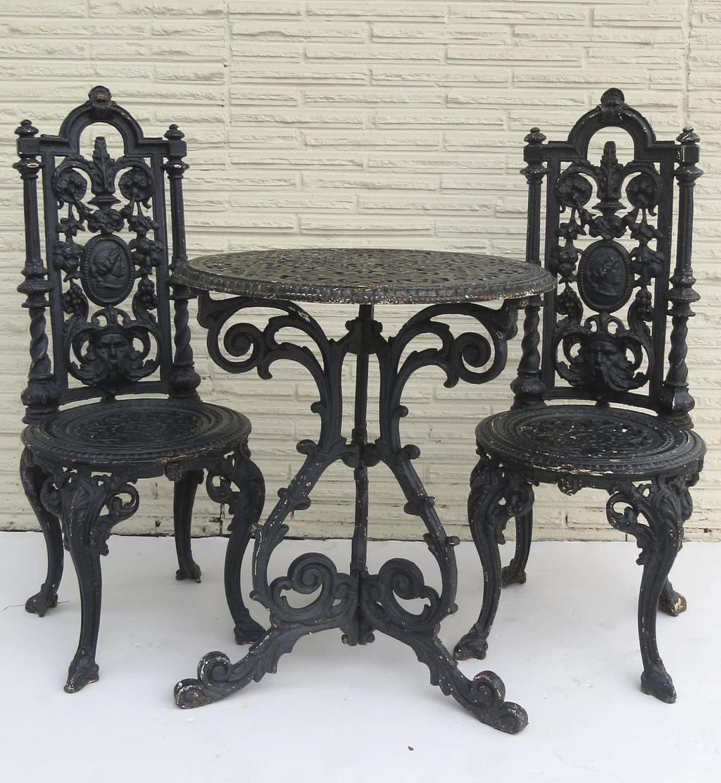Mobili In Stile Gotico american cast iron garden table and two chairs | arredamento