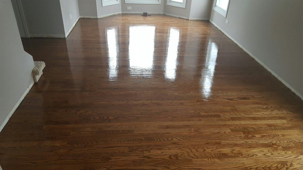 Casas Flooring Chicago, IL, United States. Red oak wood