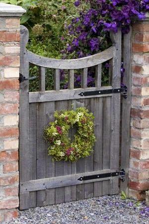 Garden Gate Ideas   Homemaker: 20 + 1 Special Garden Gate
