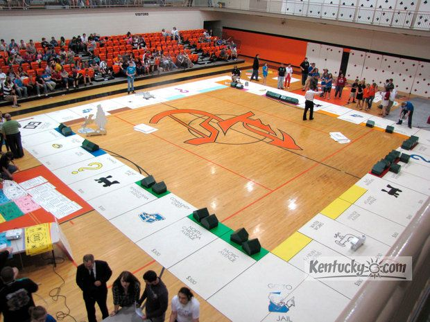 Story Kentucky Students Play Gym Size Game Of Monopoly High School Activities Student Gov Pep Rally
