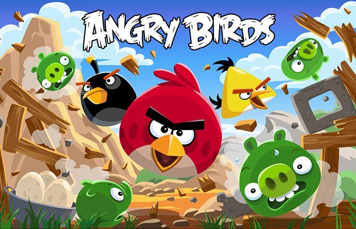 Com o sucesso da Angry Birs, jogo mais baixado no iphone e android ultimamente, tem surgido diversas artes gráficas, ilustrações e até mesmo objetos de decoração desses tão cobiçados passarinhos.