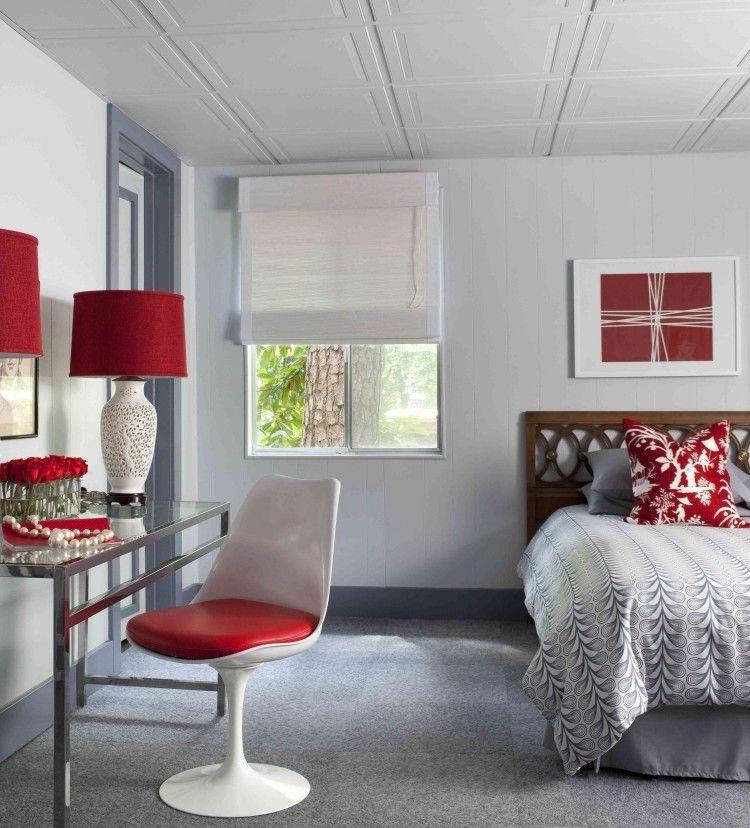 Deckenpaneele Verlegen  Schlafzimmer Weiss Grau Rot Bett Tulip Chair