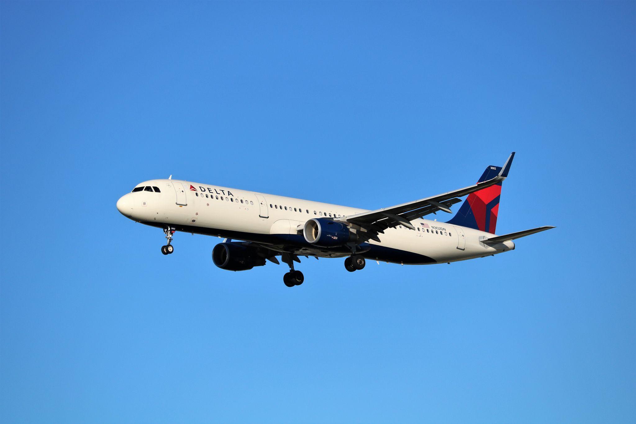 Delta Air Lines A321 Delta airlines, Delta, Airline