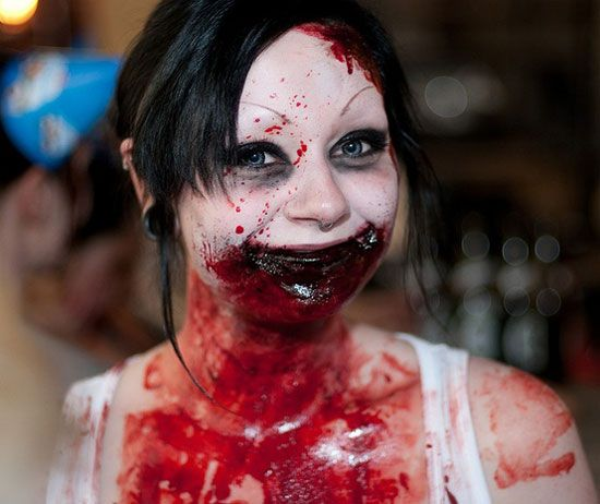 Scary Bloody Girl from 25 Best, Crazy & Scary Halloween ...