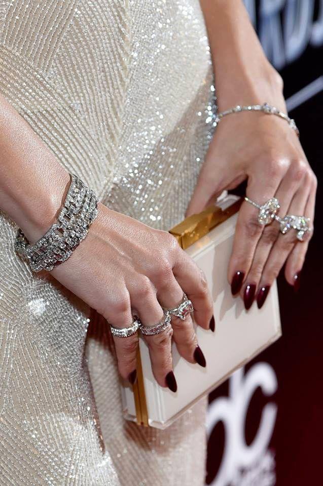 Glamorous Winter Mani Fingers Ice Party Jennifer Lopez In Almond
