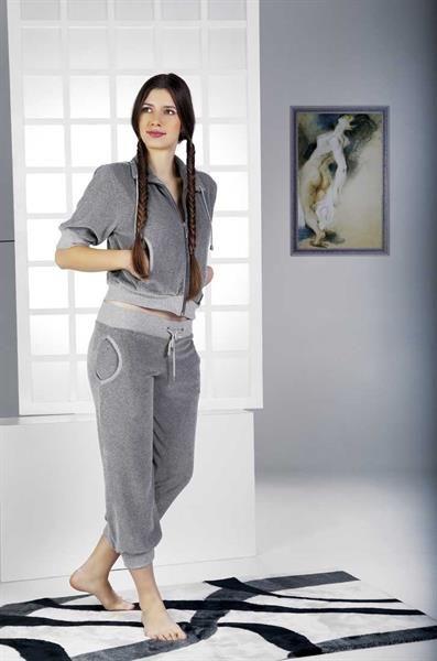Велюровые костюмы для отдыха