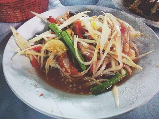 โอ๊ย แซ้บแซ่บ 😁👍 #lunch #spicy #good #happy #holiday #family #papayasalad #thaifood #foodoftheday #foodlove #food #foodie #foodporn #foodstagram #pornfood #eat #yummy #yum #delicious #instaeat #instafood #hot #love #like #like4like  Yummery - best recipes. Follow Us! #foodporn