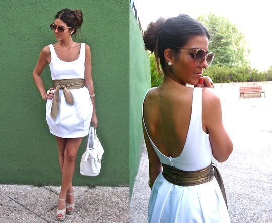 such a great contrast. Oh to be a naturally tan Spanish chica. I'll just have to settle for white on white.