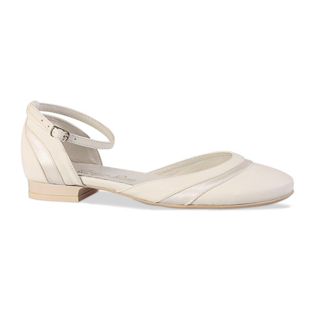 sports shoes f19c9 932fb Flache Brautschuhe ivory mit Riemchen | flats | Brautschuhe ...