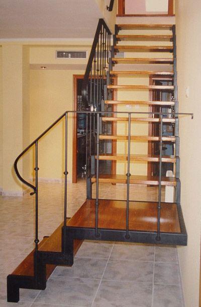 Escaleras de forja y madera natural modelo la laguna escaleras pinterest - Escaleras de hierro y madera para interiores ...