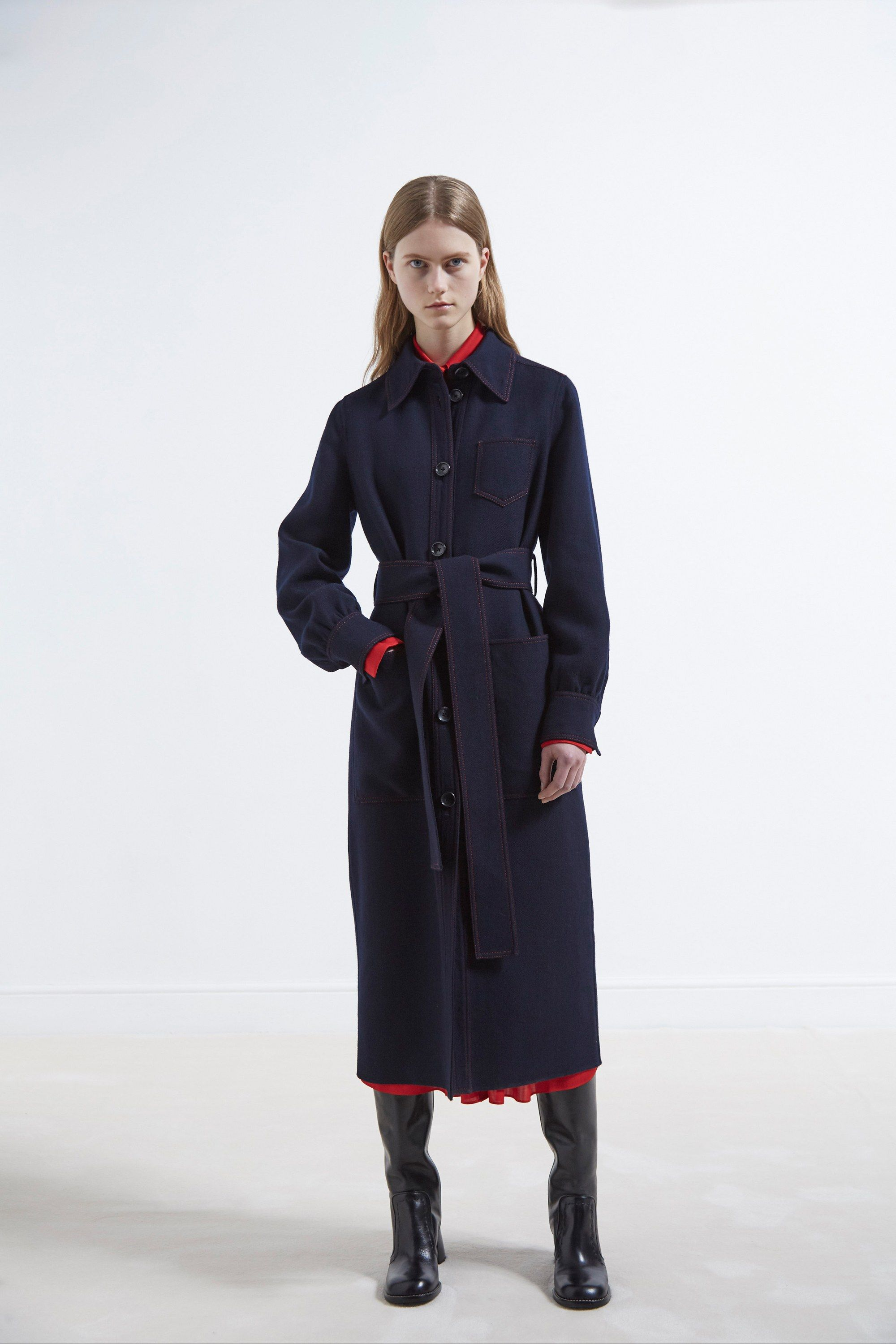 See the complete Joseph Pre-Fall 2017 collection.