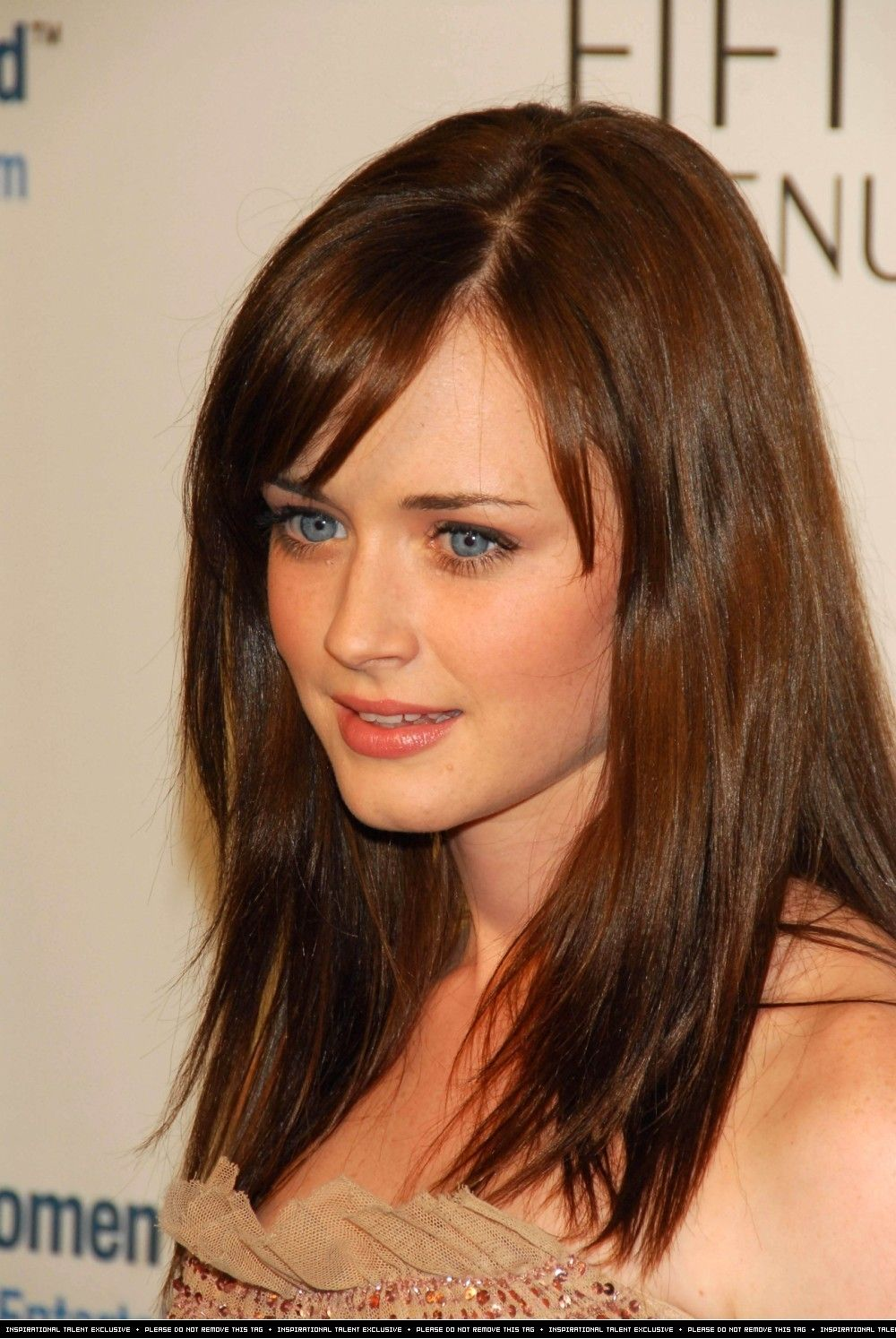 Alexis Bledel Photo Pretty Alexis Rory Gilmore Hair Alexis Bledel Reese Witherspoon Hair