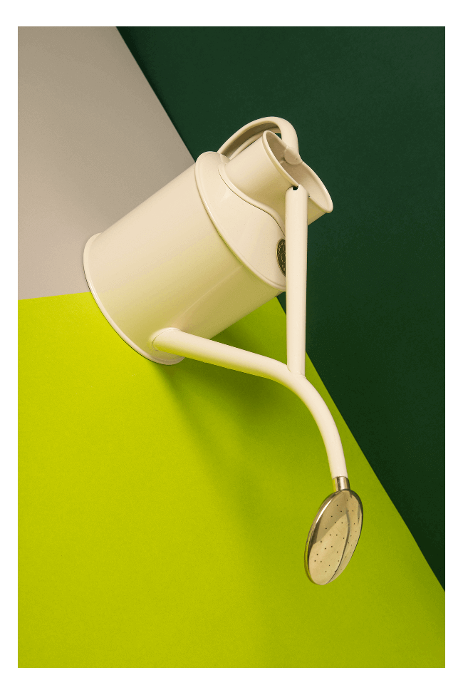 Arrosoir Fait Main Dans La Pure Tradition Britannique En Metal Galvanise Parfait Pour Les Petits Appartements Arrosoir Metal Galvanise Accessoires