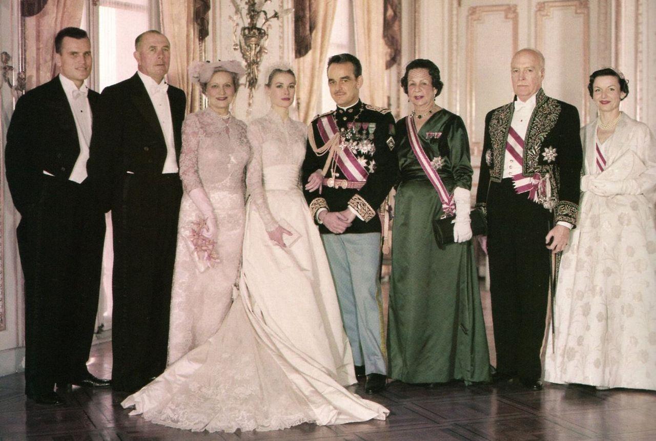 Grace Family Photo Princess Grace Kelly Princess Grace Grace Kelly Wedding Dress
