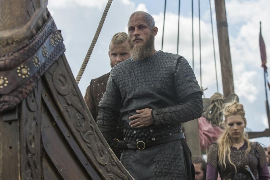 I Tv Serien 039 Vikings 039 Tager Vikinger Pa Erobringstogt I England Virkelighedens Vikinger Fra Danmark Bosatt Ragnar Lothbrok Vikinger Katheryn Winnick